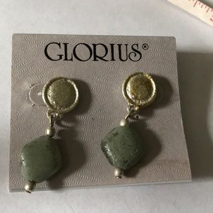 Glorious gem earring